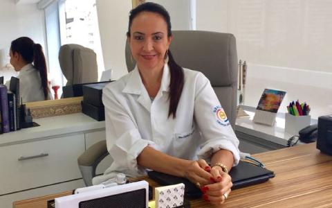 Dra. Claúdia Fiorini